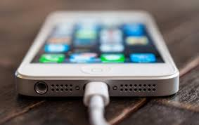 iPhone 5 Electrocuted a 23 Years Old Chinese Woman in China